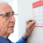 6 Dementia Warning Signs Families Should Watch For