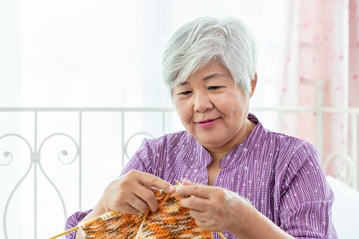 Amazing Crafts for Seniors to Try in Barrie, ON