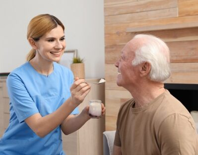 Tips for Feeding a Senior Loved One with Parkinson in Barrie, ON